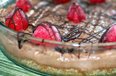 Almost-Raw Chocolate Mousse Pie with Strawberries